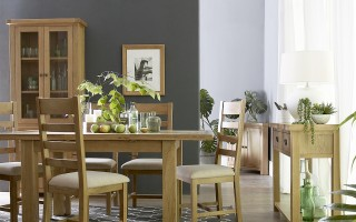 Oakridge Dining Collection