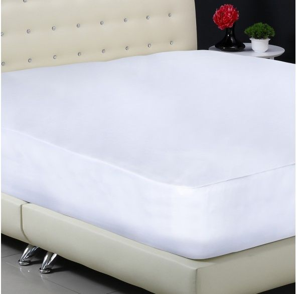 Plush 135cm Double Mattress Protector