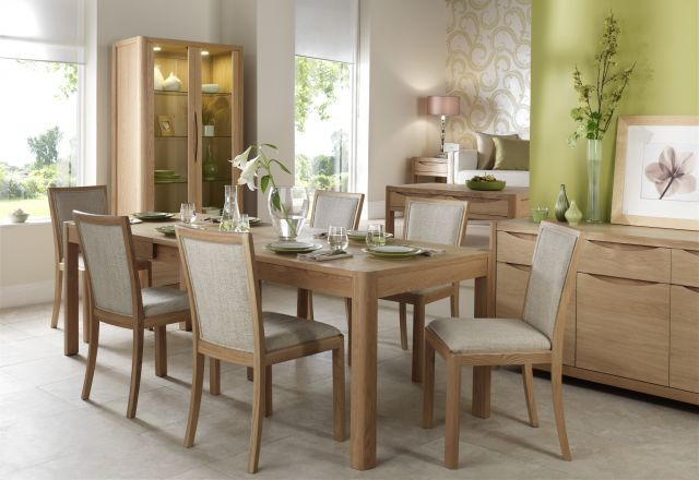 Braemer Dining Collection Dining Table Extending 4-8
